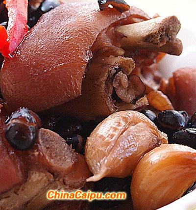 黑豆炖猪手