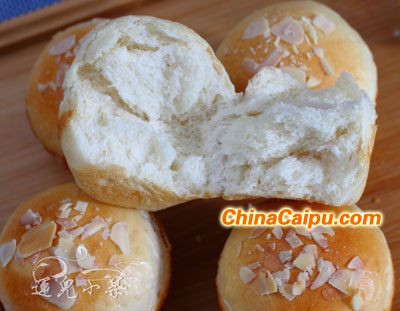 杏仁小面包