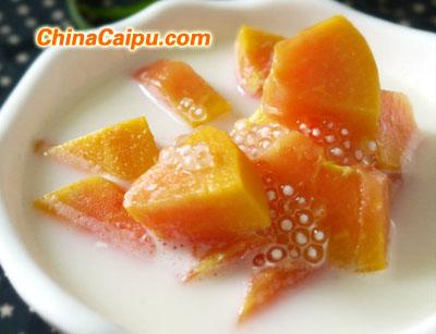 简单易做的美容糖水―木瓜牛奶西米露