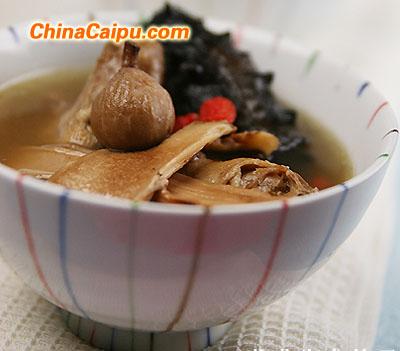 松茸海参鸽子汤