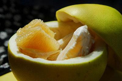开柚子的小窍门