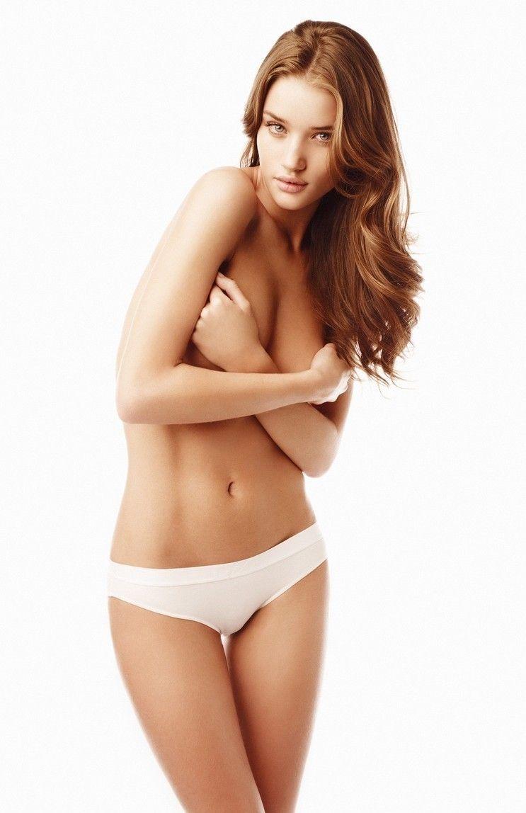 从胸部大小看患癌几率 大胸女人易得癌?