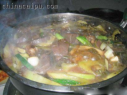 酸菜白肉火锅的做法