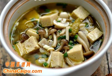 泡椒菌菇豆腐煲