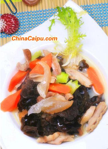 木耳海参猪肚汤